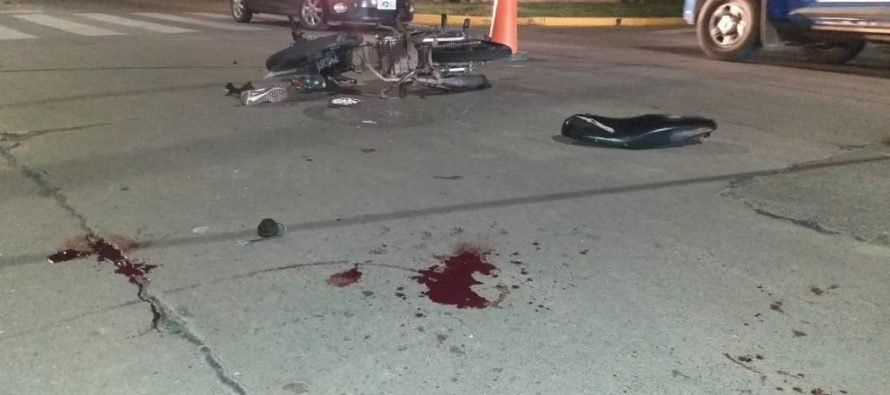 Sigue en estado crítico Peralta, el joven accidentado en su moto en la costanera